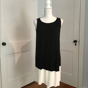 J. Jill Wearever Black and White Sleeveless Tunic